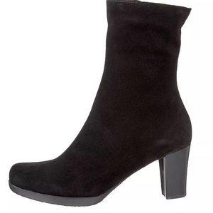 La canadienne Kate Black Suede Ankle Boots 5.5 M